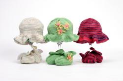 Ruffly_hatbooties