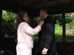 Pinning_the_groom